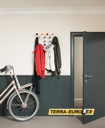 Orac_Lambriswand- фото - интерьер с велосипедом